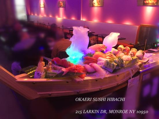 ‪‪Monroe‬, نيويورك: a sushi with a ice dragon‬