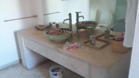Casareyna Hotel: Baño