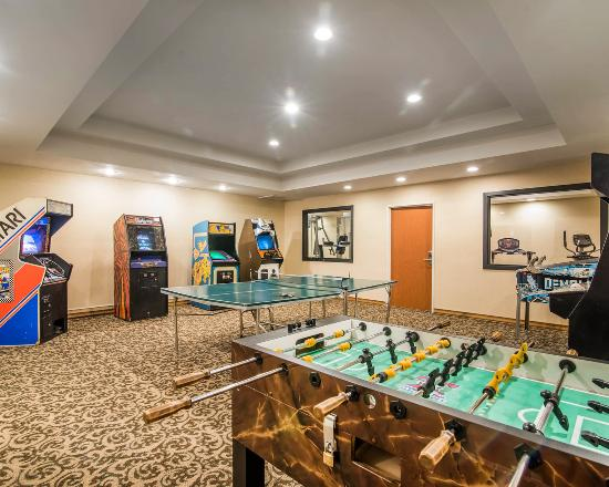 Comfort Inn: Game Room