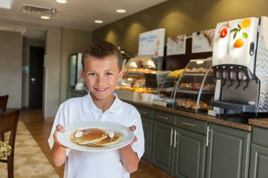 Brandon, Dakota del Sur: Kids love our signature pancakes!