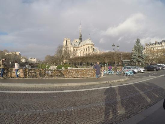 Love lock bridge foto di blue fox travel parigi for Parigi travel tour