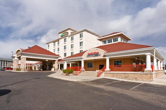 Holiday Inn Colorado Springs (Airport): Colorado Springs Airport Hotel Front Entrance