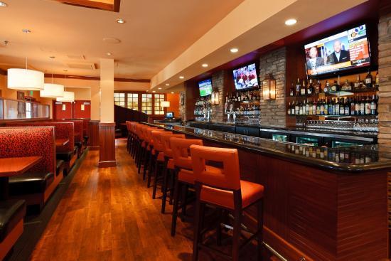 Holiday Inn Colorado Springs (Airport): Colorado Springs Hotel Restaurant - Sporting News Grill