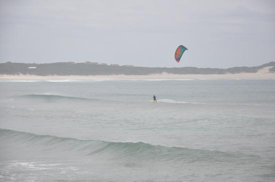 Lyngenfjord House: Kite surfing the famous waves