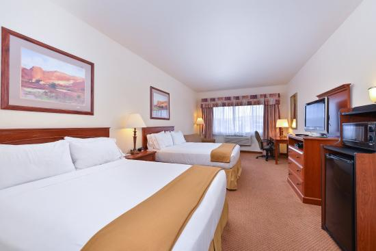 Holiday Inn Express Farmington (Bloomfield): Double Bed Guest Room