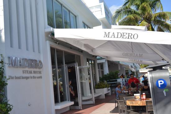 Madero Steak House Entrada
