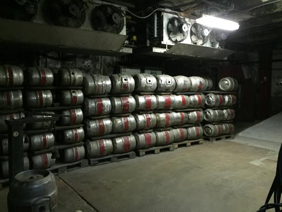 Pottsville, Пенсильвания: Original filling room of the kegs