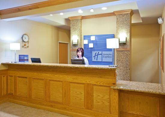 Grand Blanc, MI: Guest Services