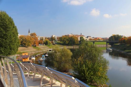 Duna Wellness Hotel : Sugovica kerékpárút