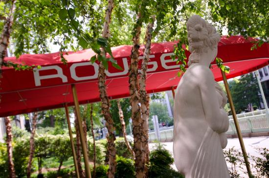 Rouge, a Kimpton Hotel: Rouge Awning And Venus Statue