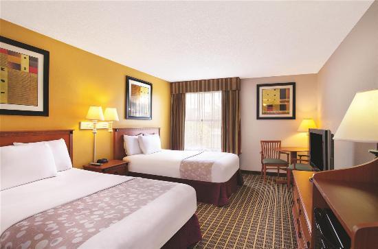 La Quinta Inn Orlando International Drive North: Guestroom
