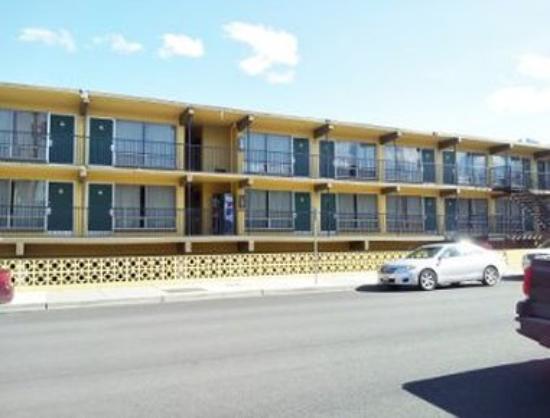 The Marigold Hotel - Downtown Pendleton: Exterior