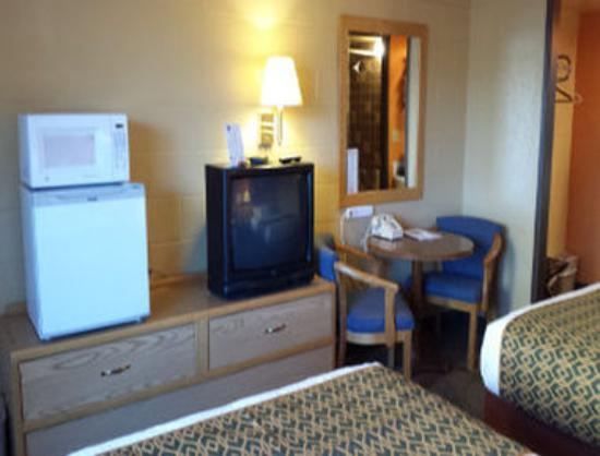 The Marigold Hotel - Downtown Pendleton: Guest Room 3