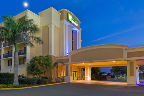 Holiday Inn Express Cape Coral/Fort Myers Area: Hotel Exterior