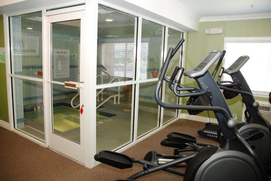 San Mateo, Kalifornien: Entrance to Spa & Sauna from Fitness Room.
