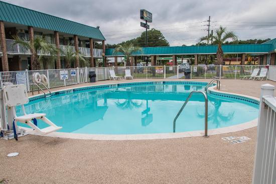 Quality Inn & Suites Hardeeville: SCPool