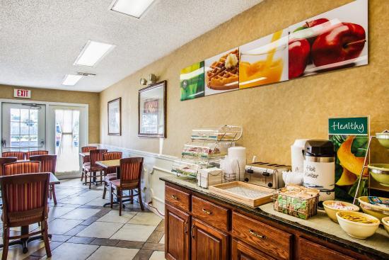 Albertville, AL: Breakfast Area