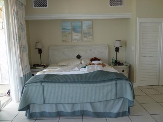 Sands at Grace Bay: bedroom