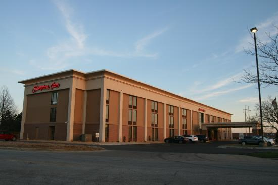 Hampton Inn Springfield South: Exterior