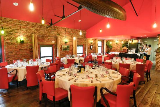 salle de restaurant picture of le moulin des ecrevisses ailly sur noye tripadvisor. Black Bedroom Furniture Sets. Home Design Ideas