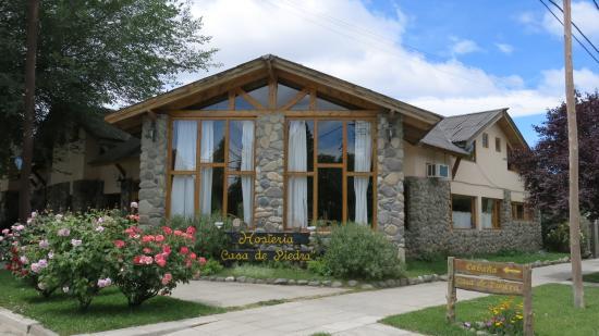Hosteria Casa de Piedra : Hermosa por fuera...