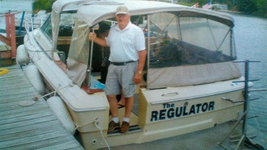 Hammond, Νέα Υόρκη: The Regulator Ready for Divers