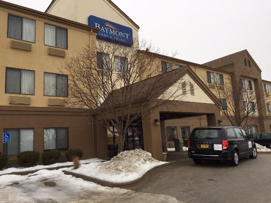 Surestay Plus By Best Western Coralville/ Iowa City: front entry
