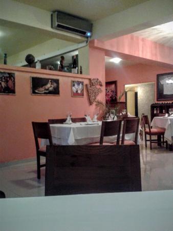 Antonio Steak House: Salão relativamente simples, mas aceitável.