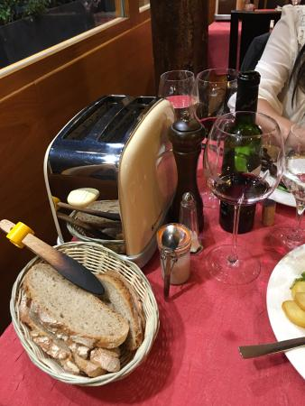 Au Petit Sud Ouest : Toaster for the bread