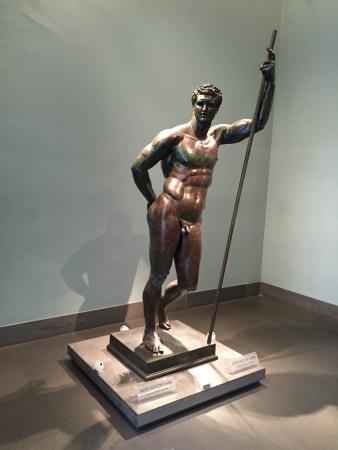 Museo Nazionale Romano - Palazzo Massimo alle Terme: Rare ancient bronze statue.
