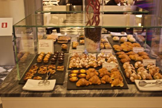 NH Collection Firenze Porta Rossa: Breakfast options