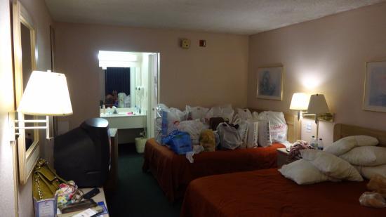 Continental Plaza Hotel: Quarto com muito espaço ...