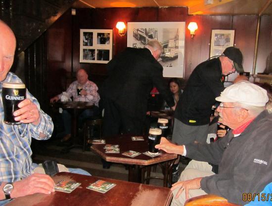 John Kehoe's: Group enjoying their Guinness