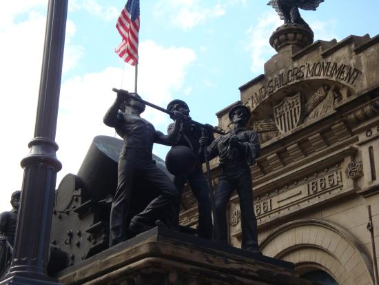 Soldiers' and Sailors' Monument: флот