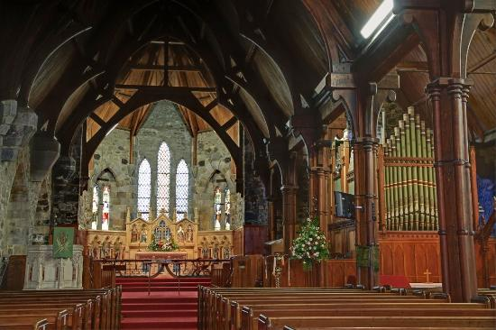 Taranaki Cathedral, Church of St Mary: Inside the Cathedral