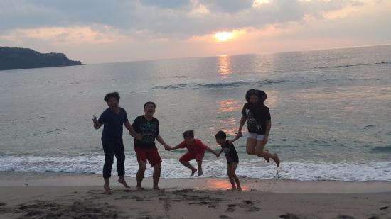 Pemenang, Indonésie : We are