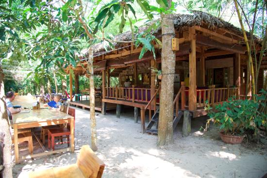 Freedomland Phu Quoc Resort: Hang out room