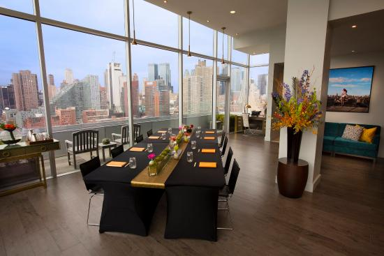 Ink48 - a Kimpton Hotel: Heaven Over Hell Penthouse Suite- Meeting Room Set