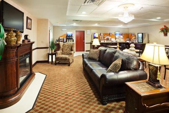 Holiday Inn Express Carrollton: Breakfast Area