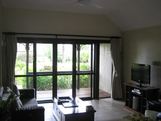 Sea Change Villas: Large, spacious lounge.