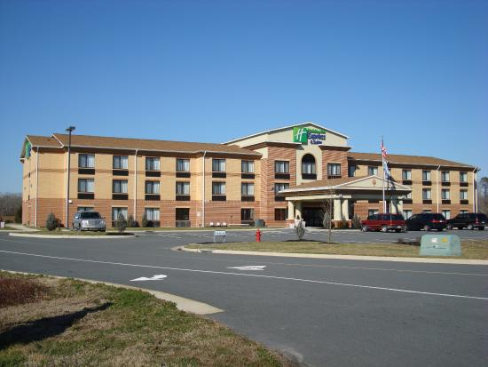 Holiday Inn Express Hotel & Suites Exmore: Hotel Exterior