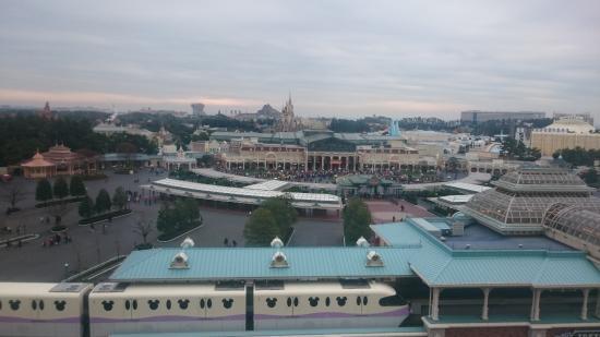 東京ディズニーランドホテル, 部屋からの眺め