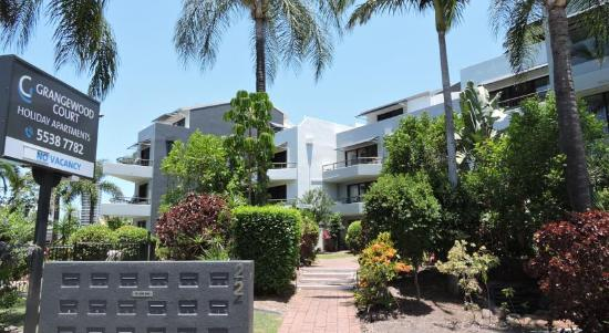 Grangewood court apartments broadbeach 2018 prices reviews photos of specialty hotel for Cheap 2 bedroom apartments gold coast