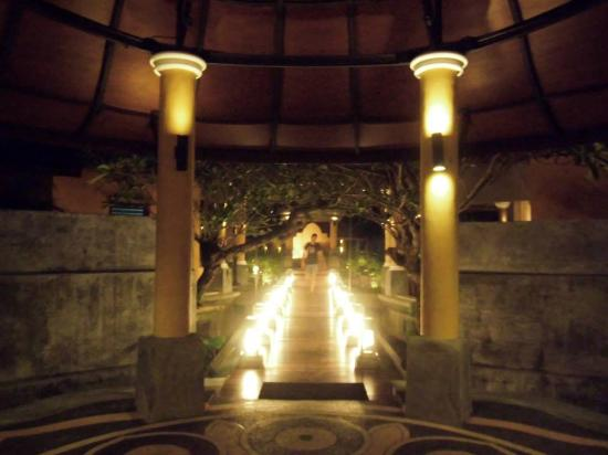 The Village Resort and Spa: The lovely entrance