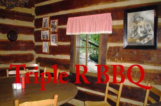 Scottsboro, AL: Triple R BBQ booth