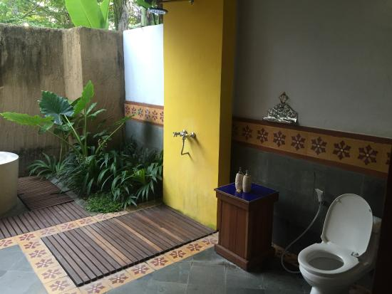 Sapulidi Bali Resort Spa Semi Outdoor Bathroom