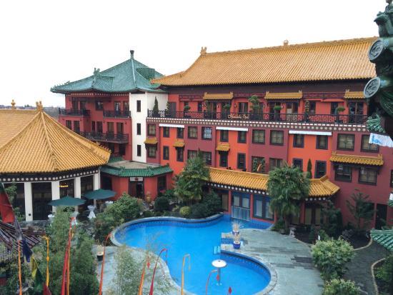 wunderschöner garten mit pool - picture of hotel ling bao, bruhl, Best garten ideen