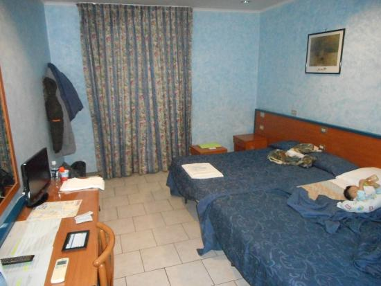 San Pietro Rooms: double bed