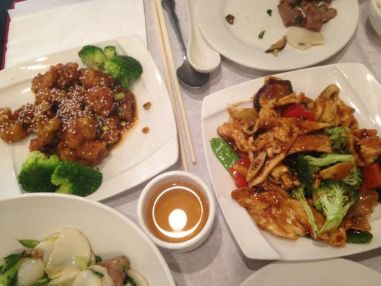 pollo caramellato al sesamo e pollo con verdure picture