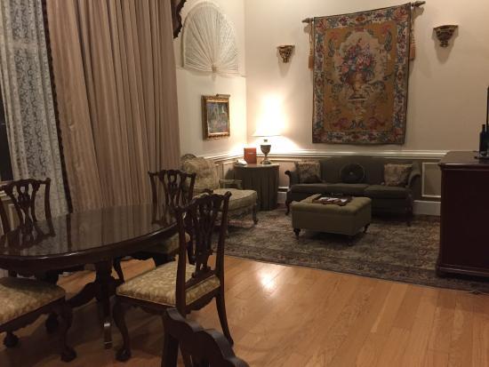 The Driskill: Living room